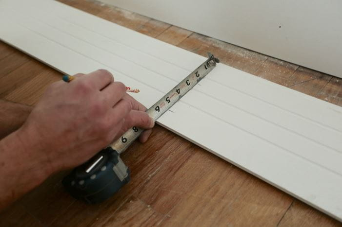 Marking board for outlet