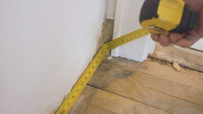 Measuring your wall horizontally