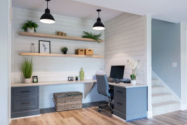 Rustic White Shiplap_1x6 Desk Area3